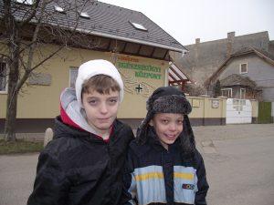 Hunor és Csanád a helyszínen