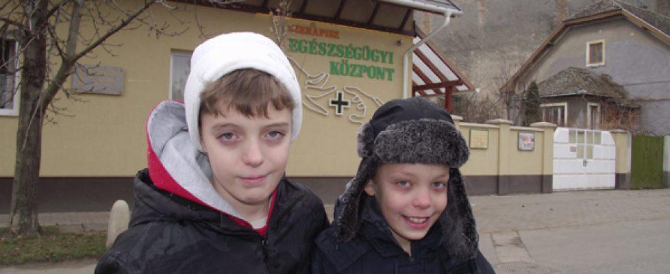 Hunor és Csanád a helyszínen. Fotó: Szabó Imre